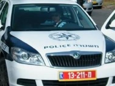 سرقة سيّارة من شابة في كرميئيل بالتهديد بالسكين
