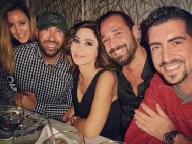 بالصور: اليسا تتناول العشاء برفقة أصدقائها