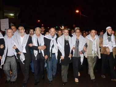 ابو سنان تحشد مسيرة غاضبة تنادي بالعيش المشترك