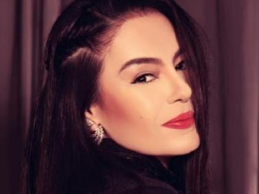 شريهان شابة جميلة في عيد ميلادها الخمسين