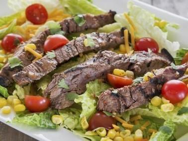 تذوقوا طبق فخذ اللحم البقري مع صلصة التمر