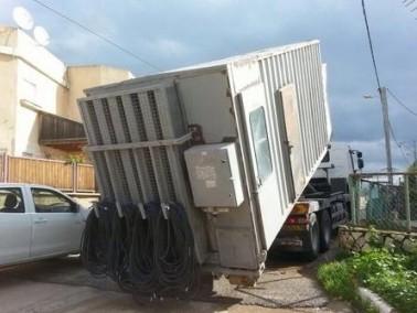 شركة الكهرباء: العمل على تصليح عطل في مولد كهرباء