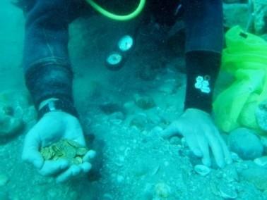 العثور على كنز ثمين في عمق شاطىء قيساريا