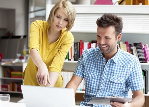الفجوة بين دخل المرأة والرجل الشهري بلغ 32%