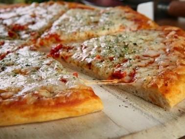 ست البيت:اليك طرقة عمل بيتزا المارجريتا..صحتين