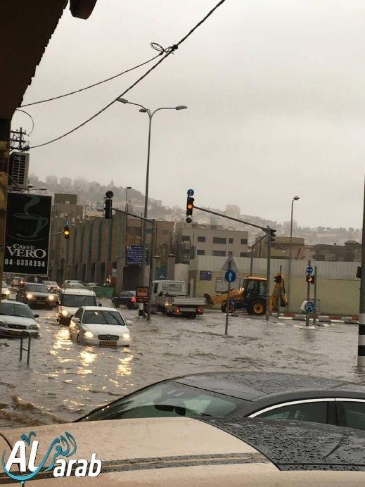 مياه الأمطار تغمر شوارع الناصرة