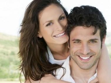 عزيزتي الزوجة: 7 طرق لتتعاملي مع غيرة زوجك بذكاء