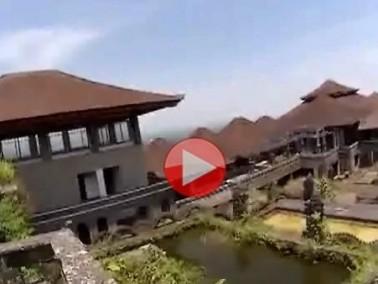 بالفيديو: زورا معنا منتجع الأشباح في أندونيسيا!