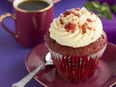الكعكة المخملية أو ريد فلفيت اللذيذة.. صحة وهنا