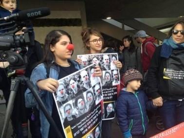 مظاهرة لأهالي يافا أمام مبنى البلدية