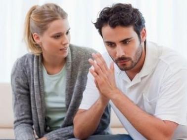 رجل: زوجتي تتذمر كثيرا من وضعنا