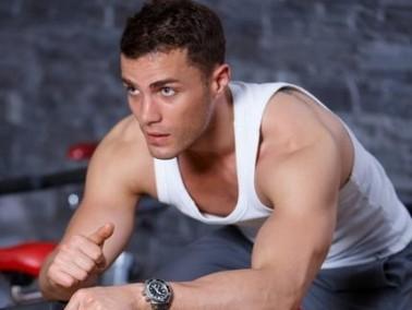 عزيزي الشاب: أفضل 10 أطعمة لبناء عضلات جسمك