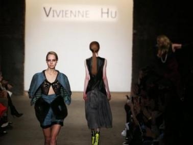 بالصّور: أجمل وأغرب الأزياء في أسبوع الموضة