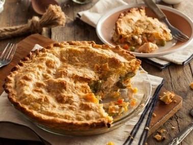 فطيرة الدجاج العالمية.. لذيذة وسهلة التحضير