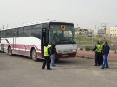 الشرطة: منع 50% من حافلات نقل الطلاب في رهط من السير