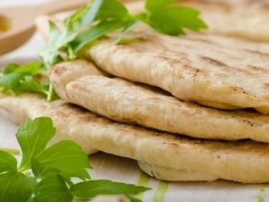 إليك سيدتي: أسهل طريقة لتحضير الخبز اللبناني