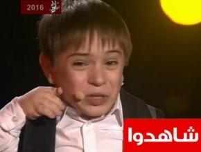 فتى يعاني من إعاقة يتوّج بلقب ذا فويس كيدز في روسيا
