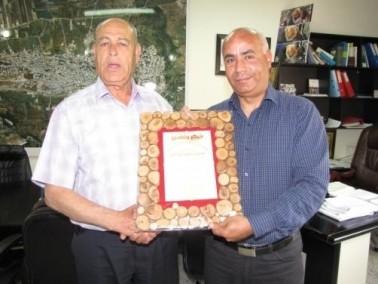 الاتحاد القُطري يكرم رئيس مجلس ديرحنا
