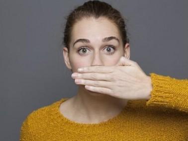 أطعمة تساعدكم في التخلص من رائحة الفم الكريهة