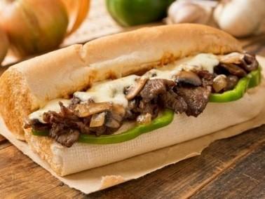 ساندويش ستيك بالفطر والجبنة..سريع ولذيذ