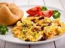 افتتحوا يومكم بأطيب فطور..البيض المقلي بالخضار