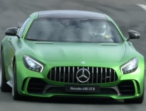 Mercedes AMG GT R متوحشة ودائًما مستعدة للسباق