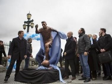 إقامة تمثال جديد لميسي في العاصمة الأرجنتينية
