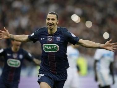 رسميًا: زلاتان ابراهيموفيتش ينضم الى مانشستر يونايتد