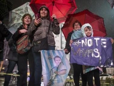 مظاهرات مطالبة ميسي بالتراجع عن الاعتزال