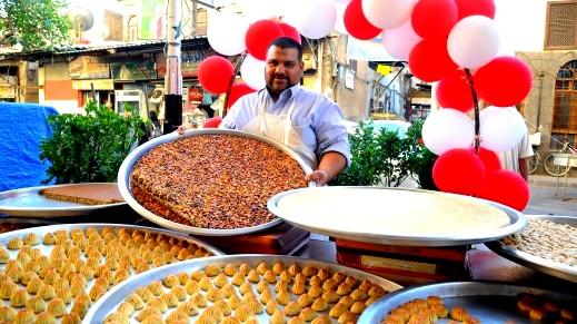 العالم الإسلامي يستقبل عيد الفطر السعيد