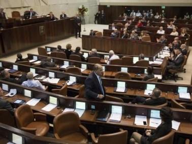 ليبرمان: بالإمكان التطرق إلى محمود درويش