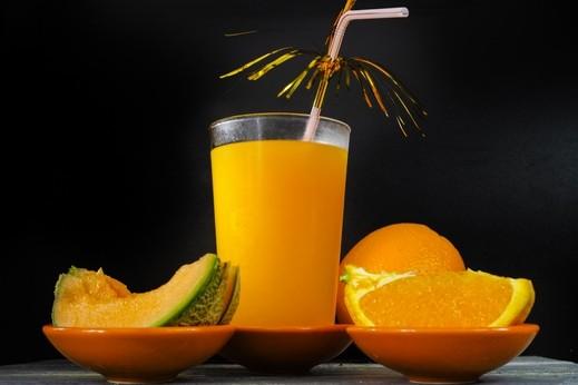 عصير البرتقال والشمام.. غني بالفوائد
