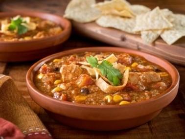 من المطبخ الهندي: حساء البندورة بالفلفل والأفوكادو