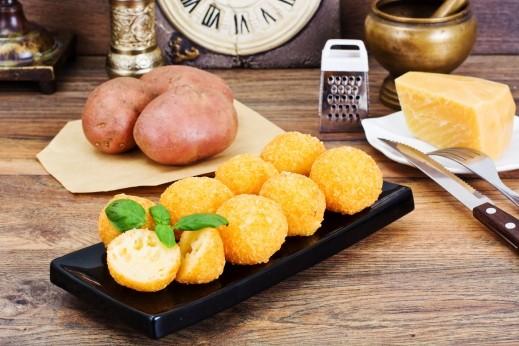تذوقوا طعم كرات البطاطا المقرمشة اللذيذة