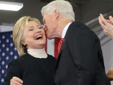 بيل كلينتون: زوجتي مثل العفريت وهي بخير