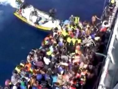 خفر السواحل الايطالي ينقذ 2600 مهاجر قبالة ليبيا