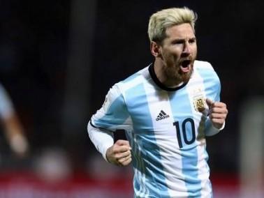مهاجم الأرجنتين: لا يوجد سوى ميسي واحد