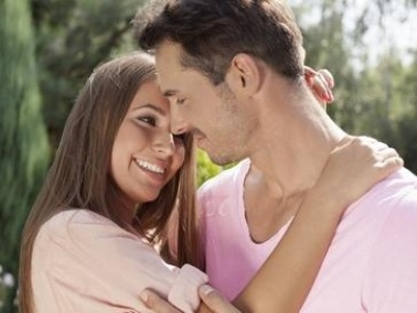 عوامل تعزز غيرة الزوجة على الزوج