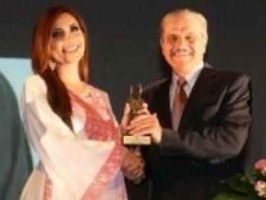 فيديو وصور: تكريم نسرين طافش في مهرجان الأردن