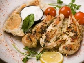 دجاج بالزعتر والليمون وجبة مناسبة للرجيم