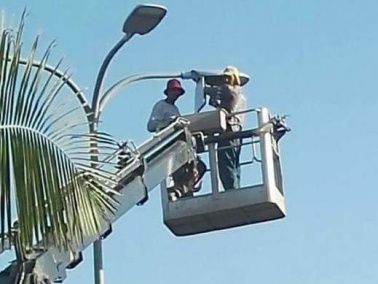 شفاعمرو: تنفيذ مشروع تغيير أجسام الكهرباء