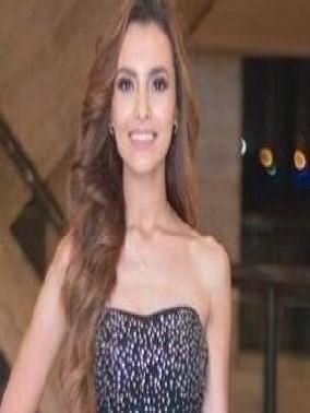 ليدي - أسلوب الفنانة كارمن سليمان في الموضة