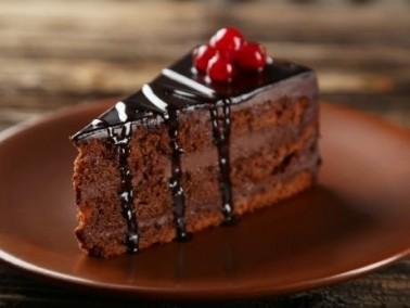 ليدي- كعكة الشوكولاطة طيبة وشهية