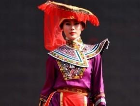 عرض للأزياء التقليدية الغريبة في الصين..صور
