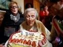 سنة حلوة يا جميل.. المعمرة الأكبر في العالم تحتفل بعيد ميلادها الـ117