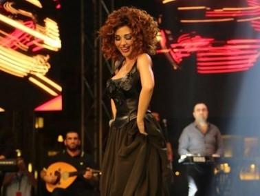 صور جديدة من حفل مول دبي لميريام فارس