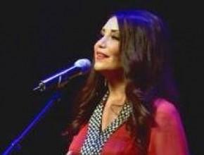 ليدي- سيدر زيتون غنت لسميح القاسم في بيروت