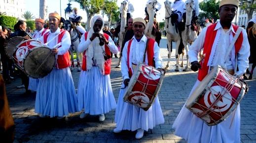 التونسيون يحتفلون بمهرجان الصحراء