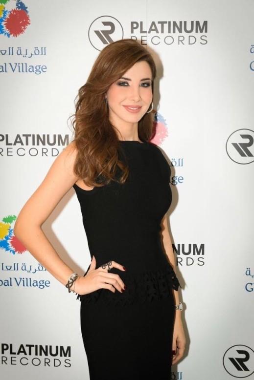 نانسي تتألق على مسرح globalvillage في دبي
