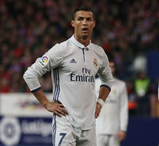 صحيفة: لاعبو ريال مدريد فقدوا الثقة في رونالدو